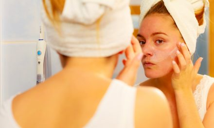 Bij droge huid: meer drinken en…Aloë Vera