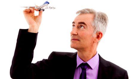 Mogen oudere mensen op vliegvakantie?