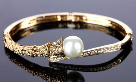 Mag je een gevonden gouden armband houden?