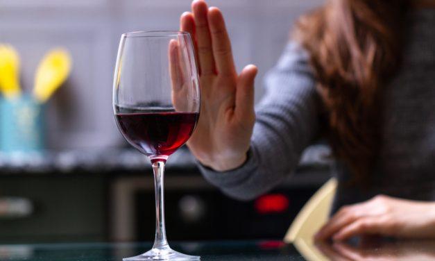 Waarom mag je geen alcohol drinken bij verkoudheid of griep