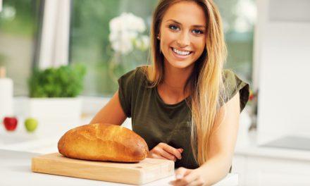 Maak oudbakken brood weer geurig ovenvers