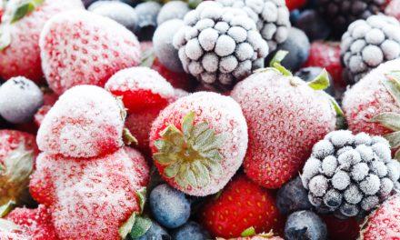 Hoe fruit uit de diepvriezer weer zijn frisse kleur geven?