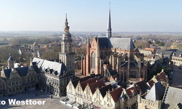 Adembenemend uitzicht vanop de Sint-Niklaastoren in Veurne